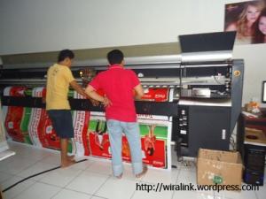 pesan cetak spanduk murah digital print